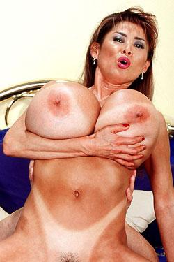 Fun big boob